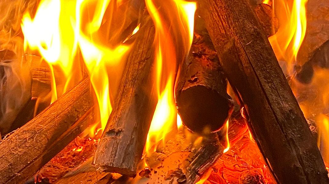 Holzfeuer auch das ist erneuerbar heizen